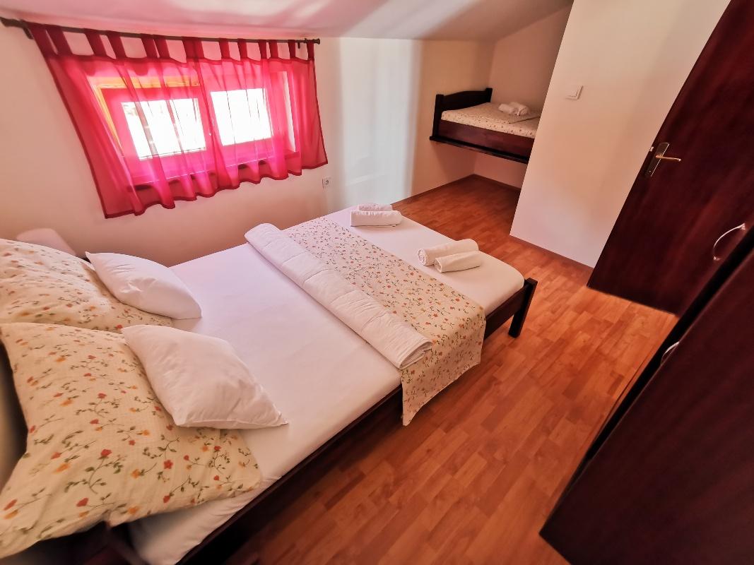 Apartman 2+3 Karlobag