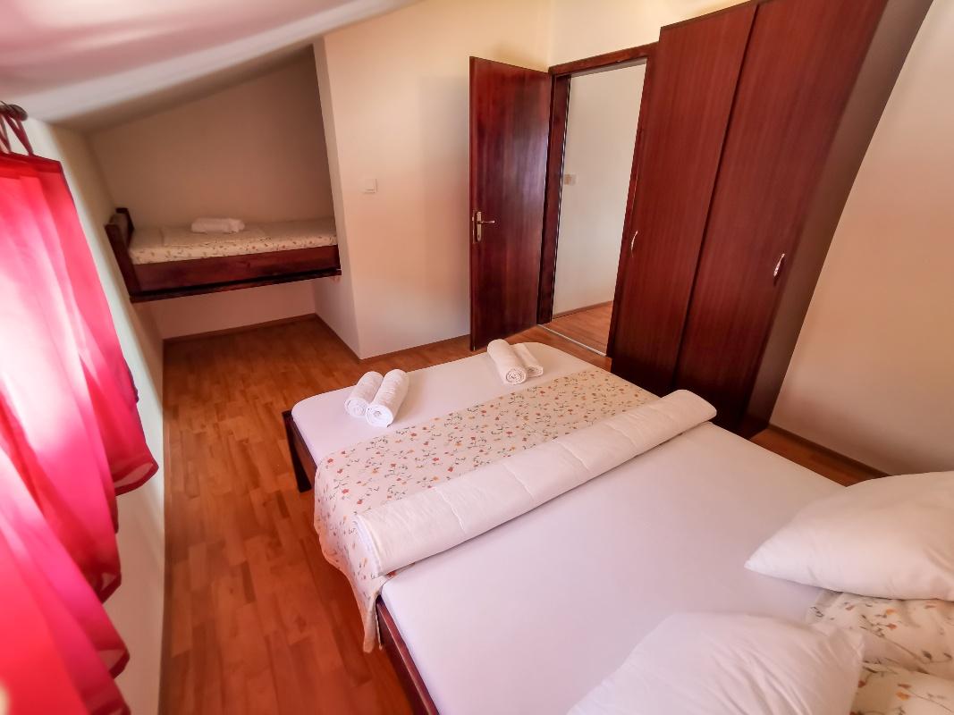 Apartament (2+3) Cesarica, Karlobag, Chorwacja