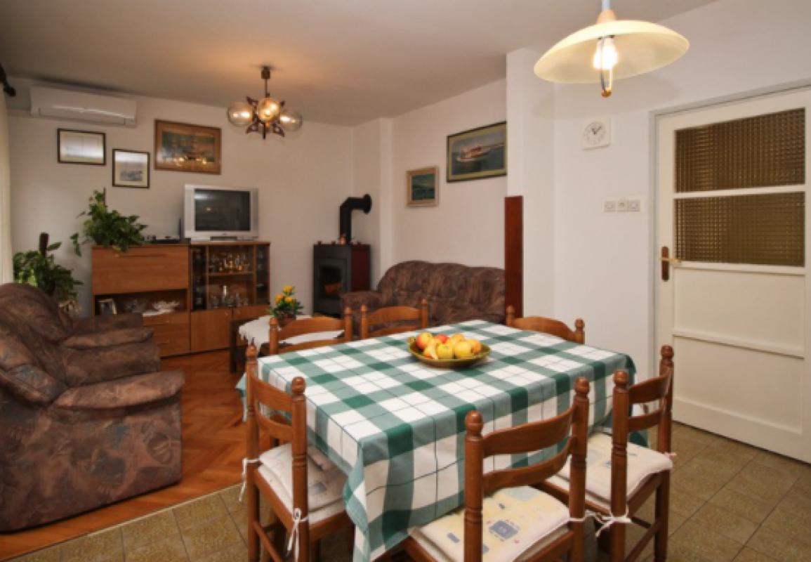 Appartamento (0+0) Punat, Ponte , Croazia