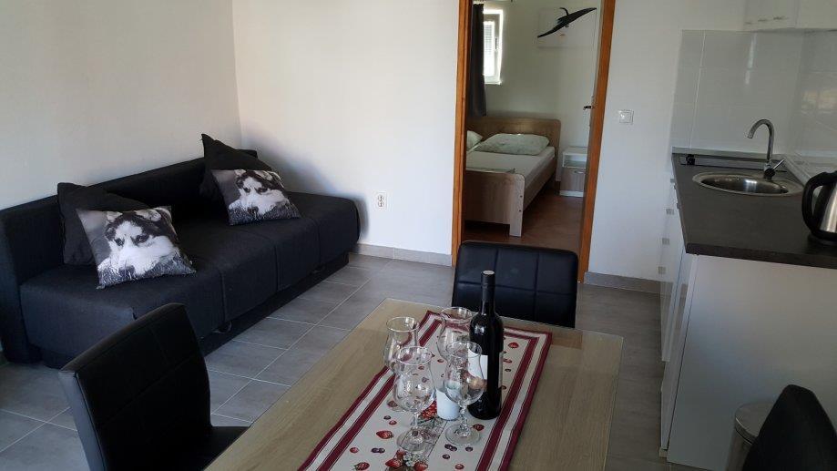 Vodice - apartman Luka - prizemlje