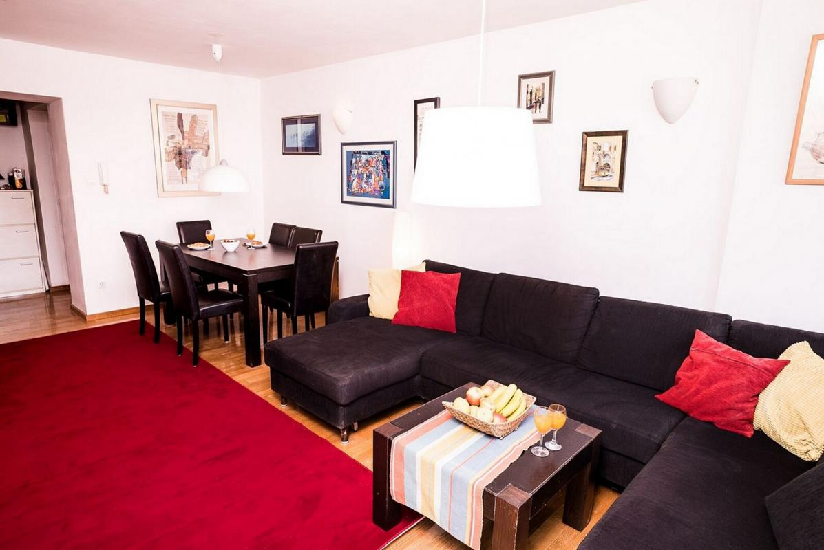 Apartman Savska(mjesečni i dnevni najam) parking,lift,2 spavaće sobe