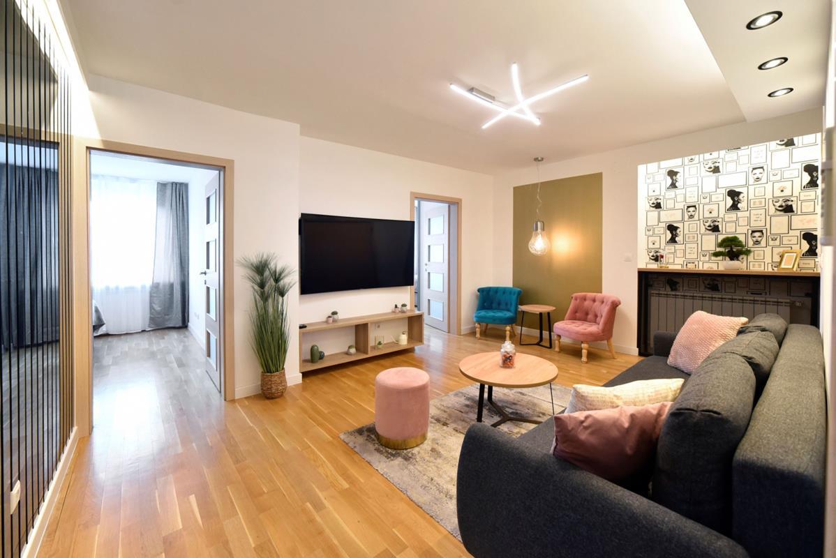 Luksuzni trosobni apartman Ilica, besplatan parking