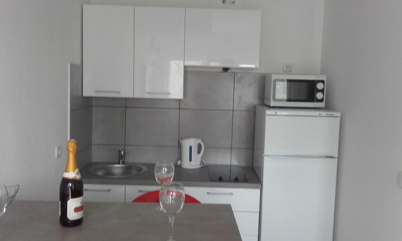 Apartman iznajmljujemo.. Otok Pag, Novalja, Zubovići...