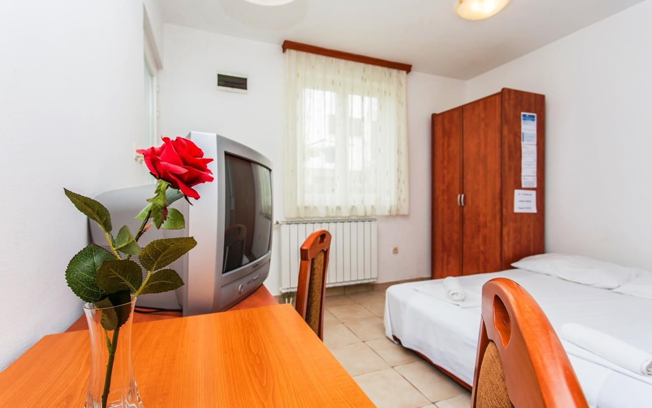Appartamento (2+0) Njivice (Castelmuschio), Castelmuschio, Croazia