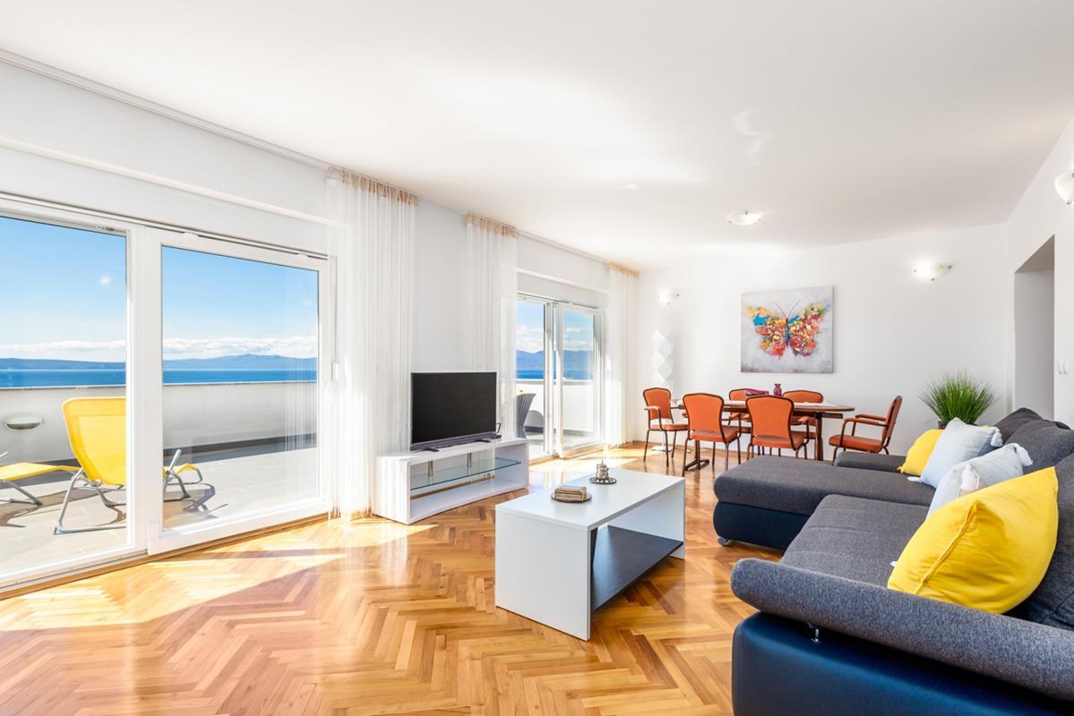 3 spavaće sobe,120 m2,panoramski pogled