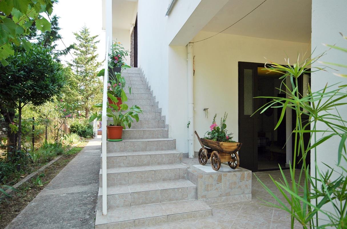 Apartment (4+0) Seline, Starigrad, Kroatien