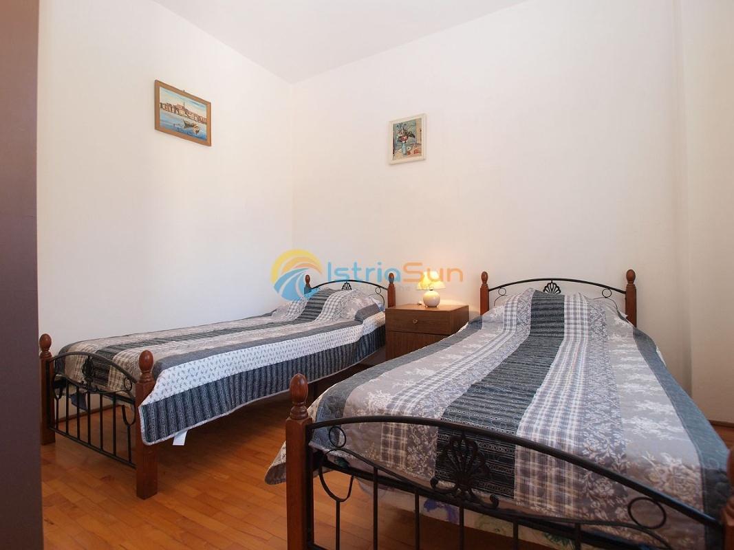 Апартамент (6+0) Видиковац (Пула), Пула, Хорватия