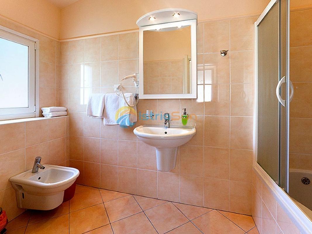 Апартамент (2+0) Чрвар, Пореч, Хорватия